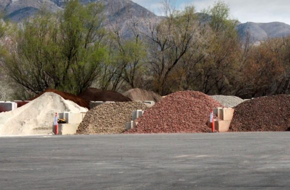 Select Materials Bulk Delivery Wholesale Landscaping Materials Sand Topsoil Compost Stone Mulch